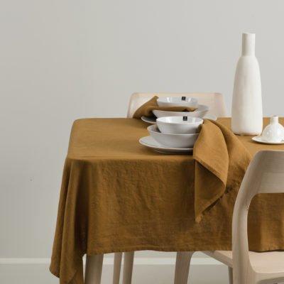 himla tafelkleed linnen amber okergeel