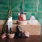 te koop Himalaya Zout + rasp + houten blok - small the original // Rivsalt